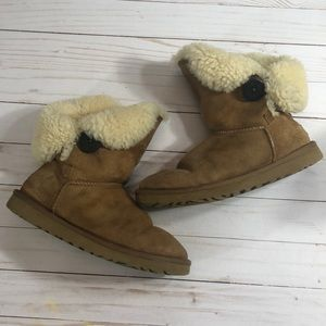Ugg Bailey Button Chestnut with Black Button - 7